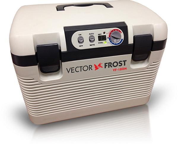 Термоэлектрический автохолодильник Vector VF-180M (+ аккумуляторы холода в подарок!)VECTOR<br>Форма сундучка - а как удобен! <br> Универсальное питание 12/24/220В! Охлаждение на 22-25°С ниже t воздуха. <br> Мин. температура охлаждения: -2°С! Макснагрев: до +60°С! <br> Объем 18л. Удобная ремень для переноски. <br> Вес 6.75 кг.Габариты 460x310x360мм. Цвет: серый.