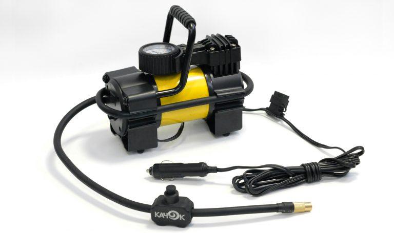 Компрессор автомобильный КАЧОК K90 (+ Мешки для колёс в подарок!) автомобильный портативный компрессор качок k90 led