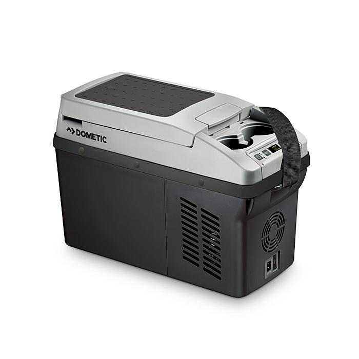 Автохолодильник компрессорный Dometic CoolFreeze CF 11 (10.5 л, форма подлок., 12/24/220В) автохолодильники dometic автохолодильник термоэлектрический dometic bordbar