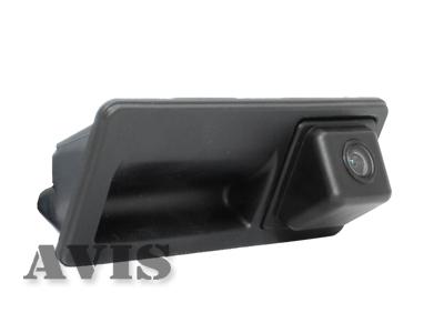 CCD штатная камера заднего вида AVIS AVS321CPR (#003) для VOLKSWAGEN JETTA VI (2011-...) / PASSAT / TIGUAN (2008-...) / TOUAREG II (2010-...) / TOURAN (2010-...), интегрированная с ручкой багажника