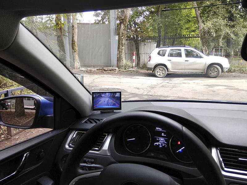 Автомобильный монитор 5