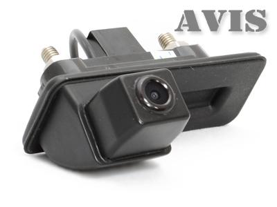 CMOS штатная камера заднего вида AVIS AVS312CPR для SKODA FABIA/ OCTAVIA/ ROOMSTER/ SUPERB/ YETI (#123), интегрированная с ручкой багажника