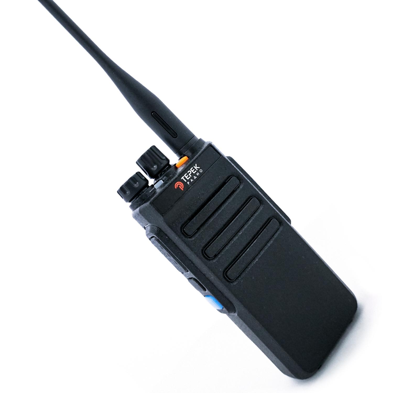 Портативная рация Терек РК-322 DMR PRO VHF (+ Гарнитура в подарок!) портативная рация терек рк 202 vhf гарнитура в подарок