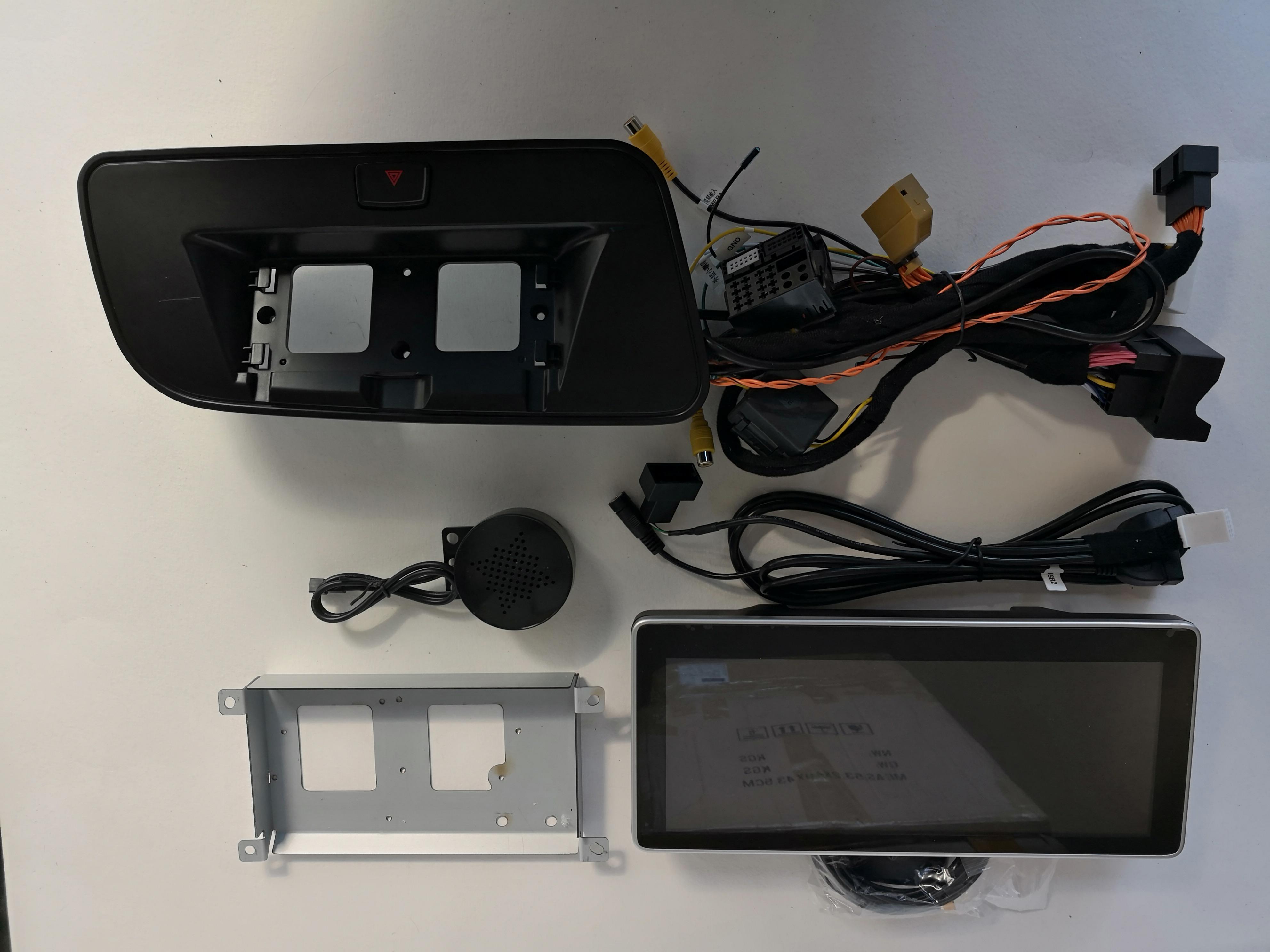 Штатная магнитола CARMEDIA U9-6706 AUDI Q5 2008-2016 НА ANDROID 4.4 игрушка motormax audi q5 73385