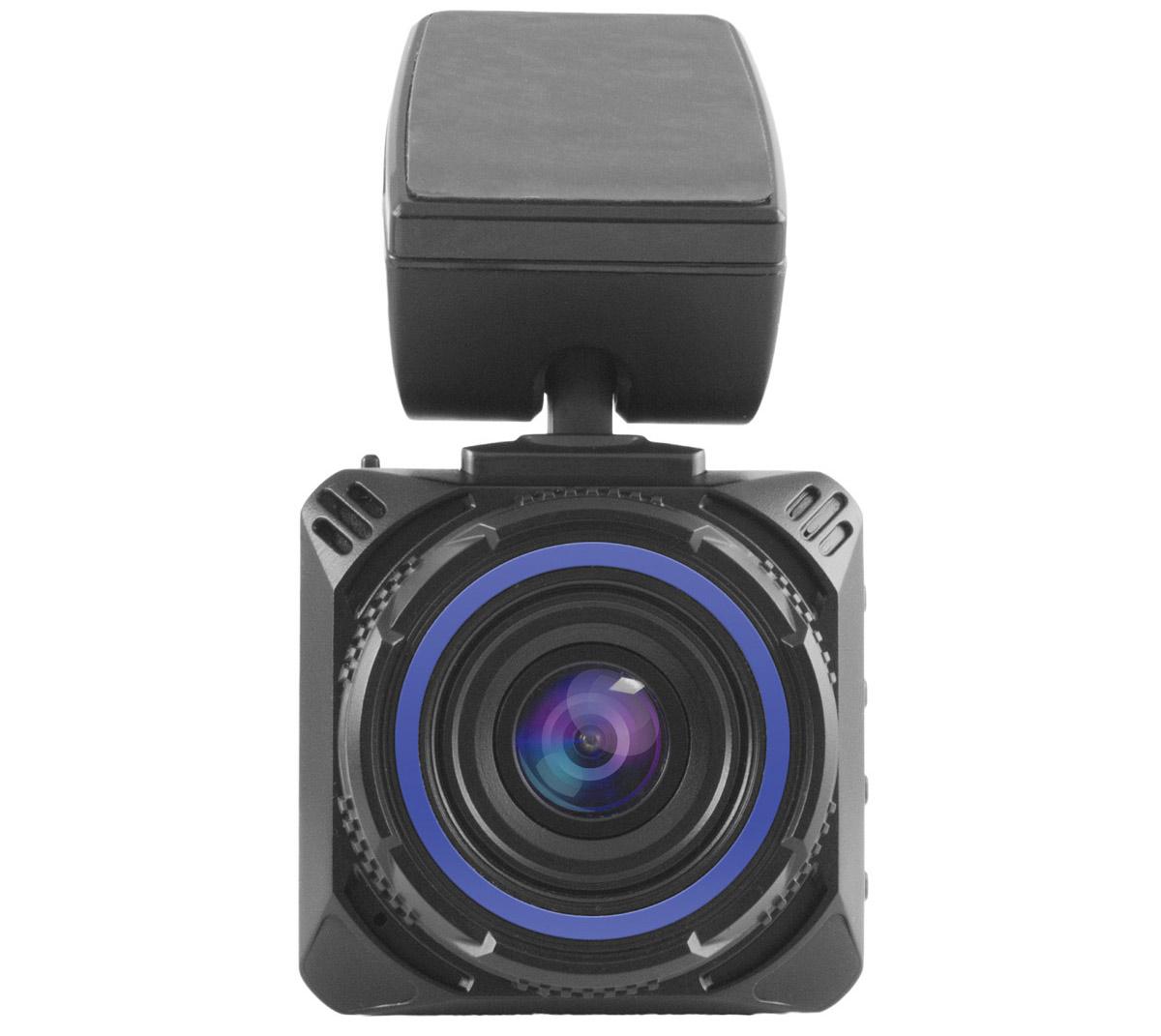 Видеорегистратор NAVITEL R600Navitel<br>Видеорегистратор Navitel R600 обладает черным компактным корпусом и крепится на 3М-скотч. Модель обладает датчиком движения и G-сенсором. Работа модели основана на использовании одной камеры с разрешением 12 Мп, с возможностью поворота и углом обзора, равным 170°.